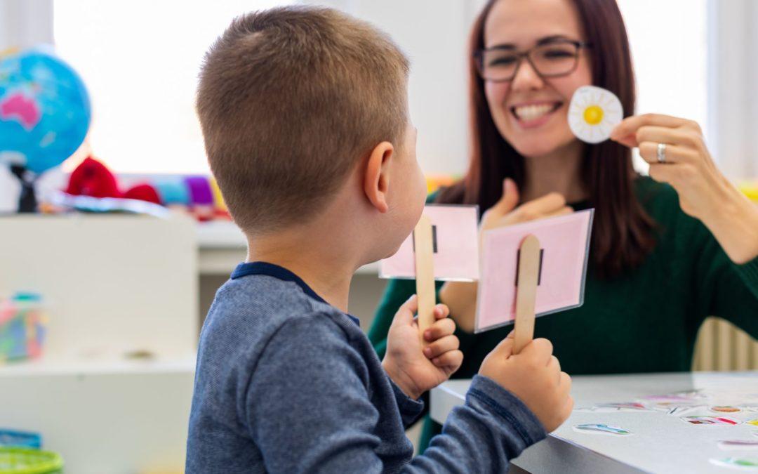 Quels sont les repères du développement du langage chez l'enfant?